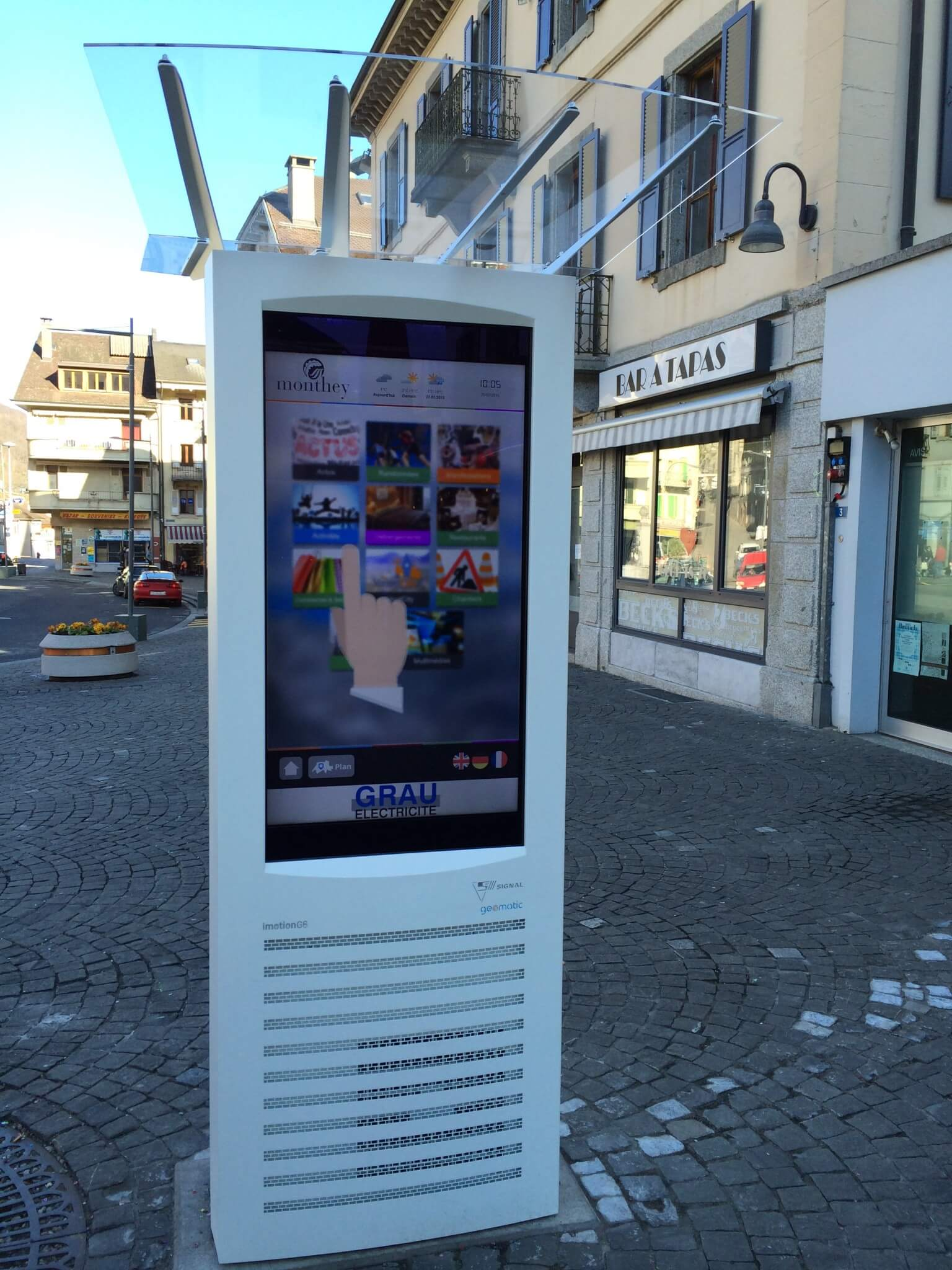 SIGNA imotion® Full G6 Full Outdoor digitale Informationsstele