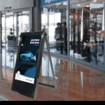 POS digitaler Plakatständer und Kundenstopper