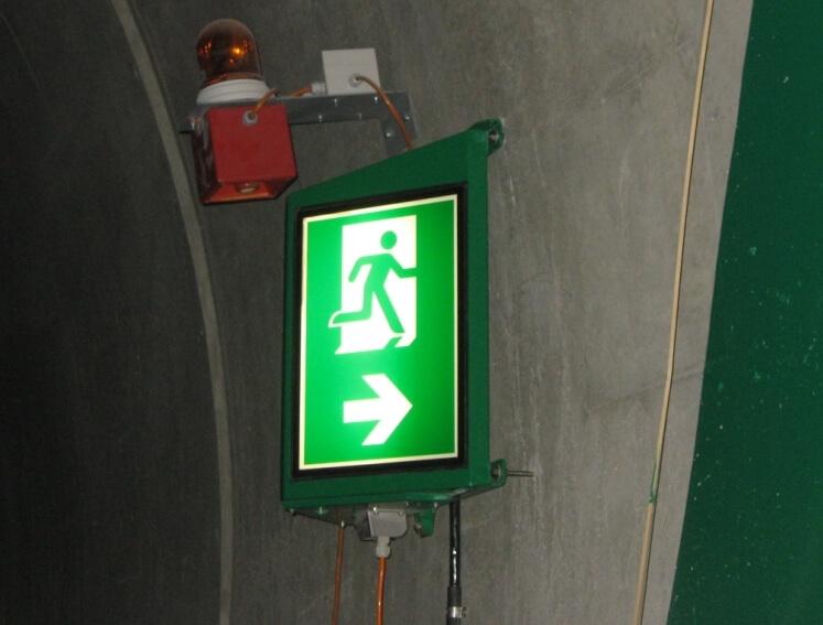 Tunnelsignale ausgeleuchtet