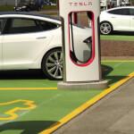 1900x500 Markierung Tesla-Schnellladestation