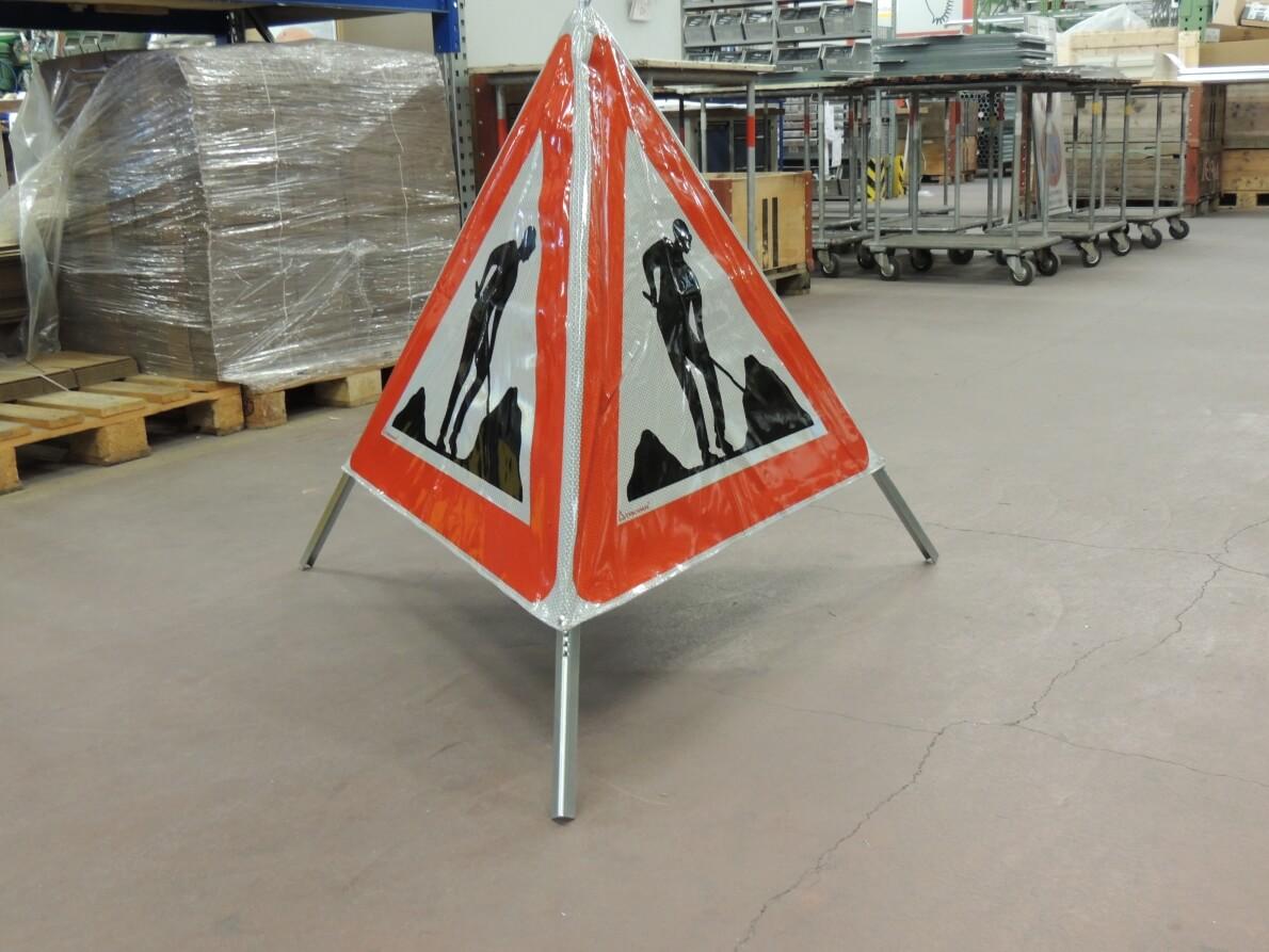 Signaux pliables pour signalisation temporaire