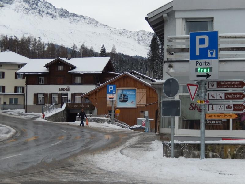 Parkleitungssystem und Verkehrsführung in Churwalden