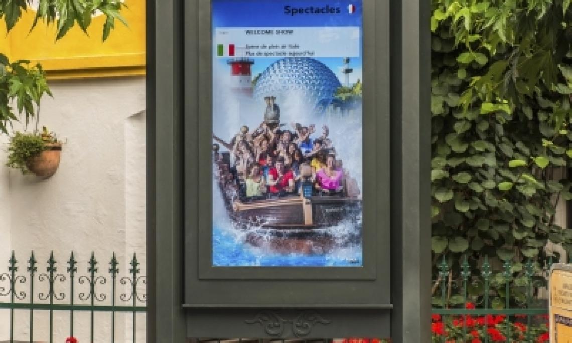 Outdoor Monitore LCD im Europapark Rust installiert