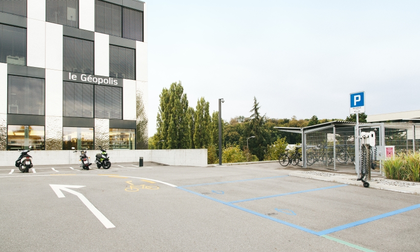 Wie man Parkplätze organisiert: ein Projekt an der Universität Lausanne