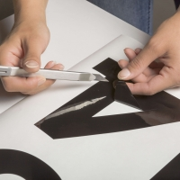 Offene Stelle: Werbetechniker/in für Schilderbeschriftung und Klebetechnik (100%)
